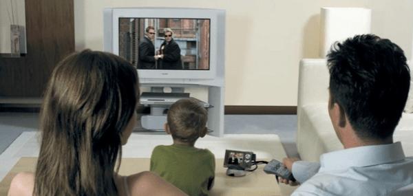 Вредно ли смотреть телевизор для детей и взрослых