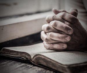 «Makt i de foldede hender»