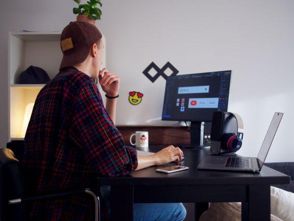 COGNA disponibiliza cursos online gratuitos para garantir rotina de estudos e aprimoramento de carreira