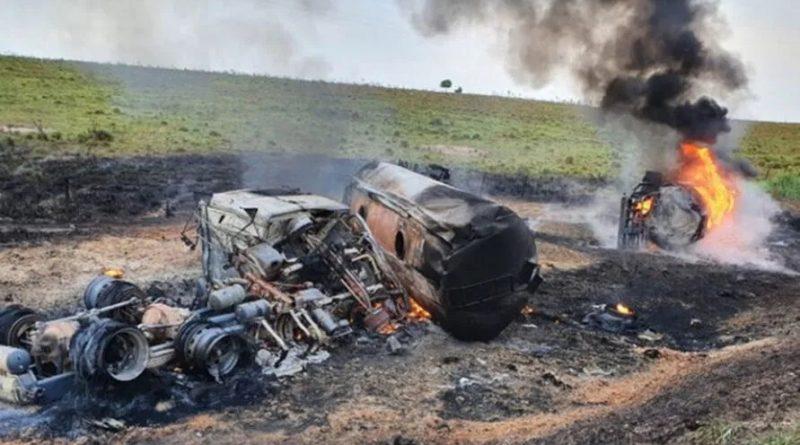 Motorista de caminhão morre carbonizado em acidente próximo a Marabá