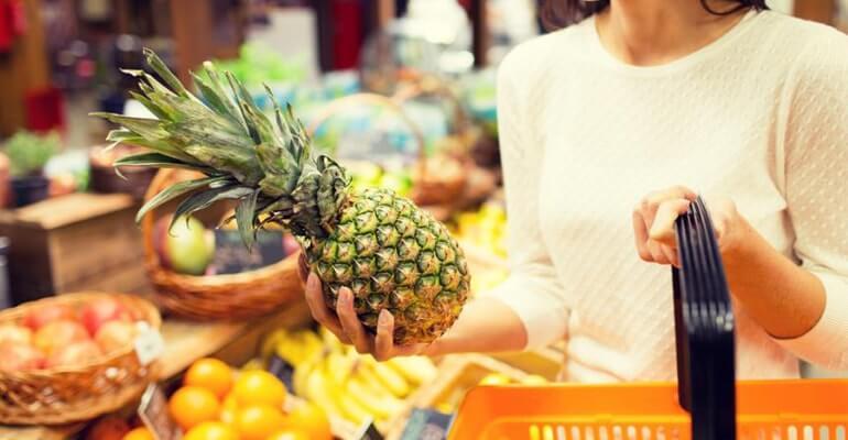 какие фрукты помогают от запора