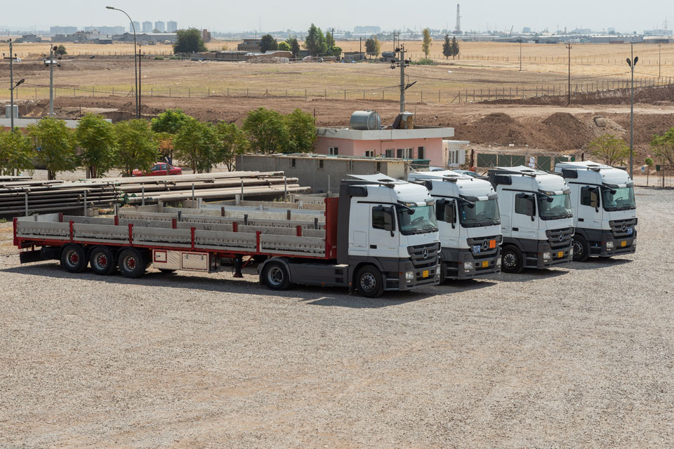 Enjoy safe and timely trucking services