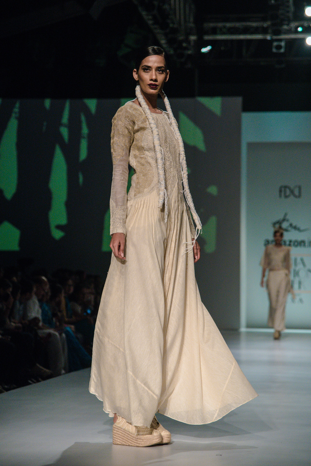 Ekru by Ektaa FDCI Amazon India Fashion Week Spring Summer 2018 Look 1