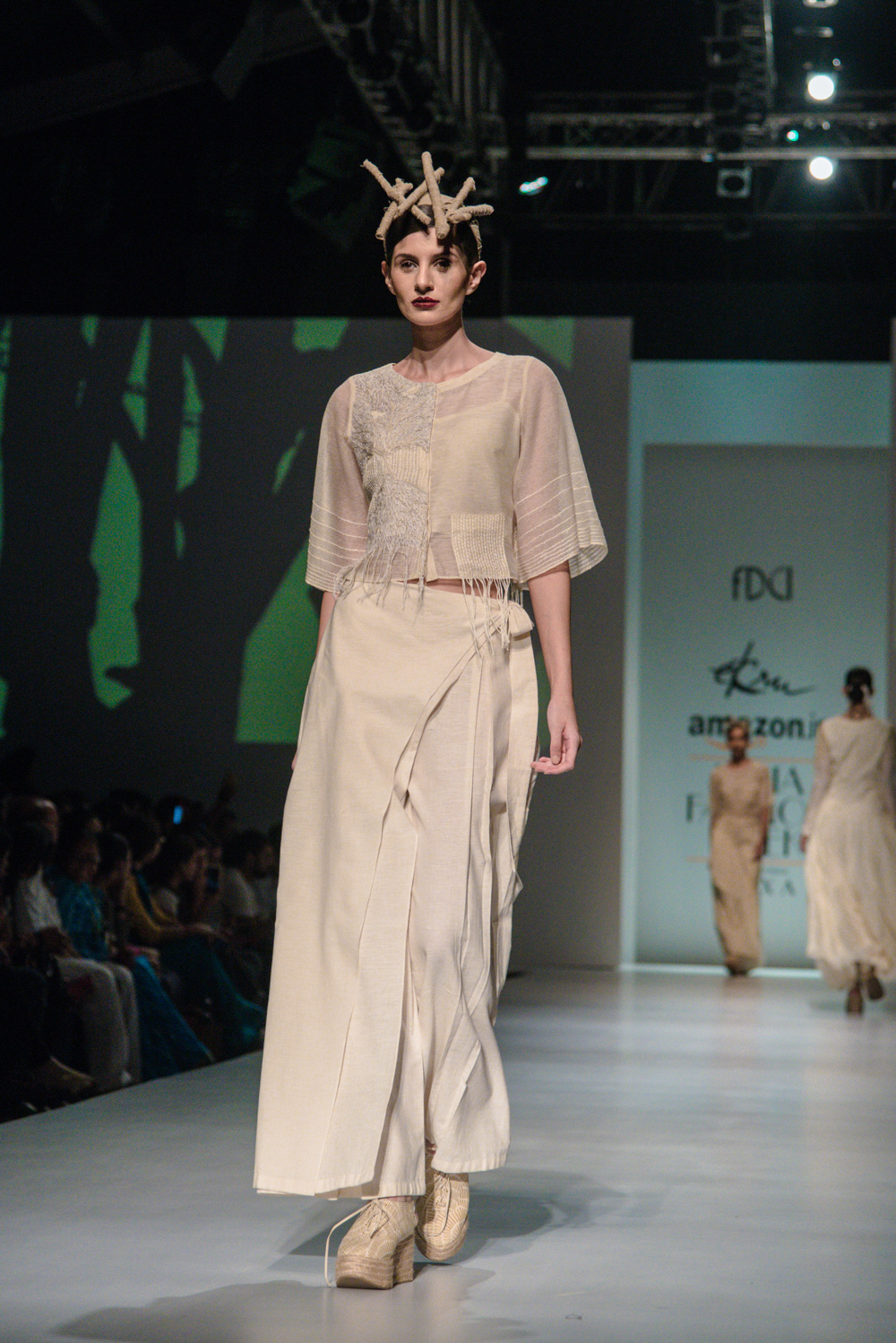 Ekru by Ektaa FDCI Amazon India Fashion Week Spring Summer 2018 Look 2