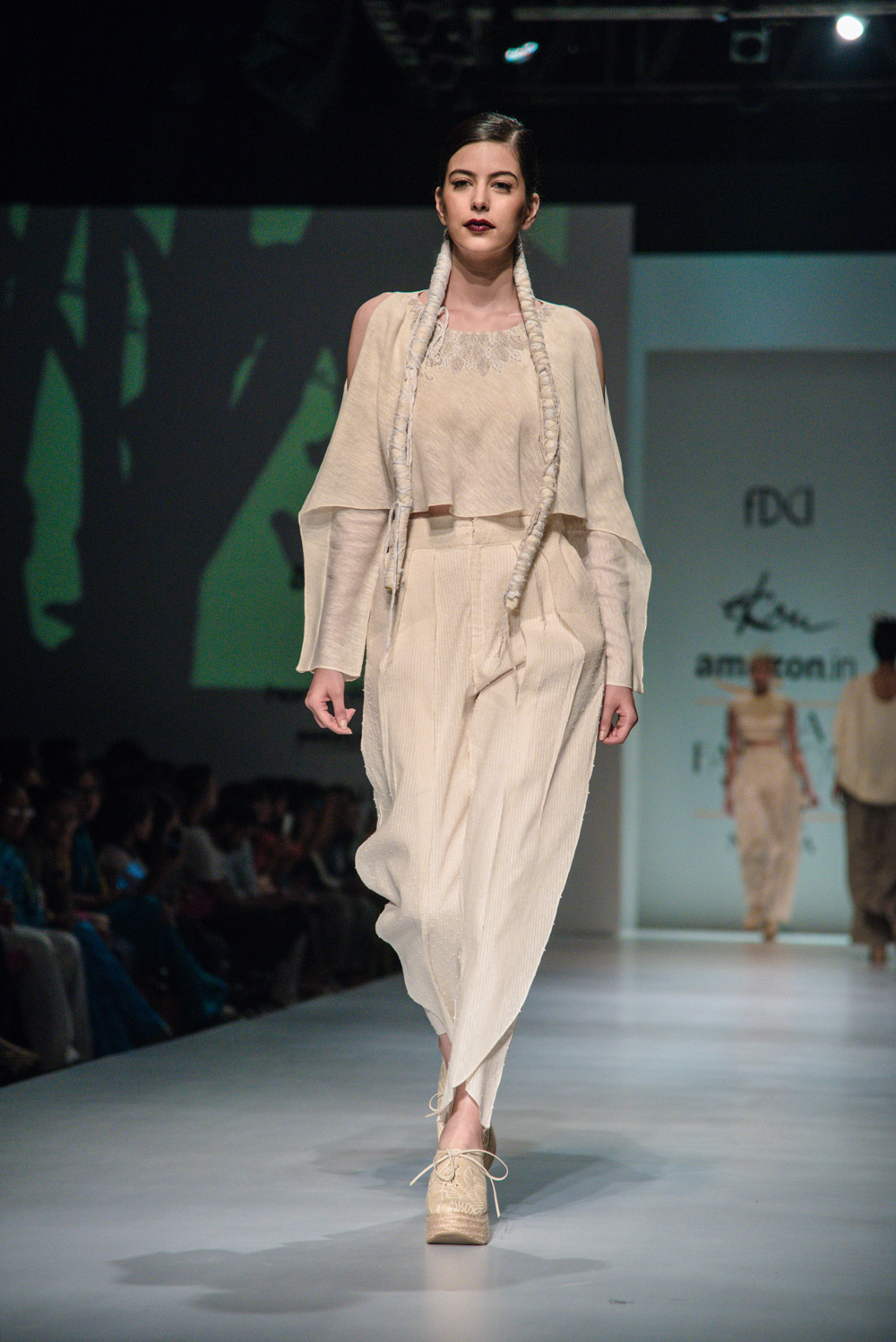 Ekru by Ektaa FDCI Amazon India Fashion Week Spring Summer 2018 Look 6