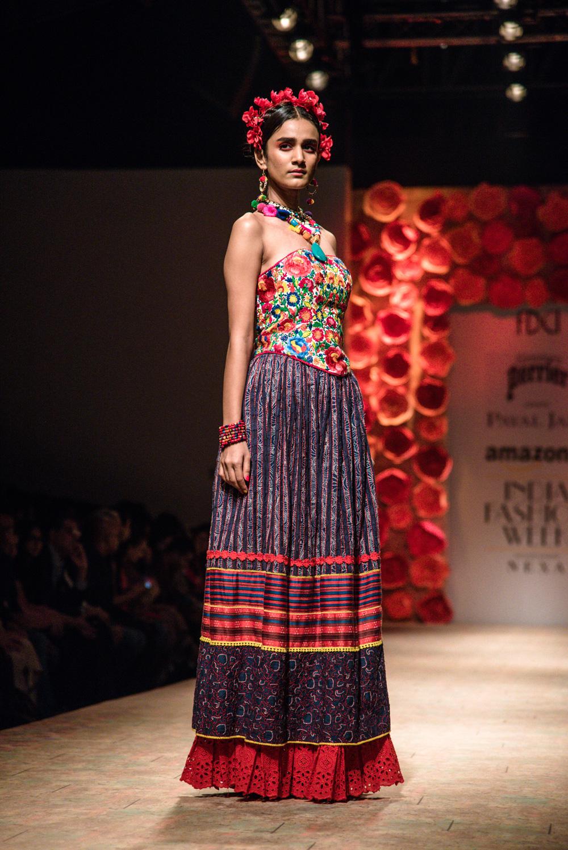 Payal Jain FDCI Amazon India Fashion Week Spring Summer 2018 Look 13