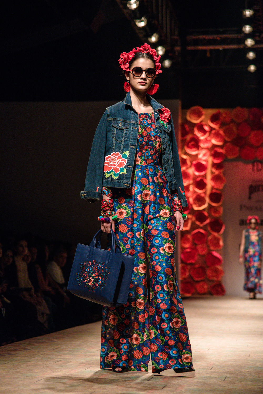 Payal Jain FDCI Amazon India Fashion Week Spring Summer 2018 Look 15