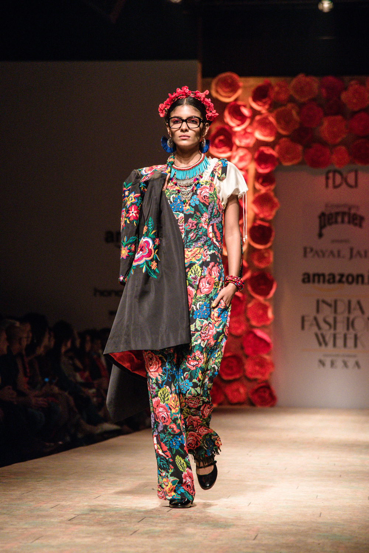 Payal Jain FDCI Amazon India Fashion Week Spring Summer 2018 Look 17