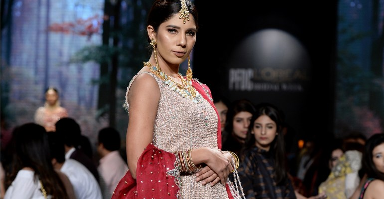 Faiza Saqlain PFDC L'Oreal Paris Bridal Week 2017 Featured