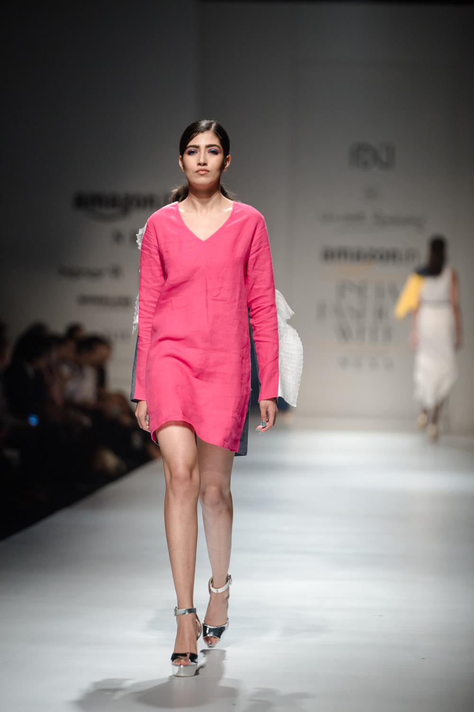Wendell Rodricks FDCI Amazon India Fashion Week Spring Summer 2018 Look 10