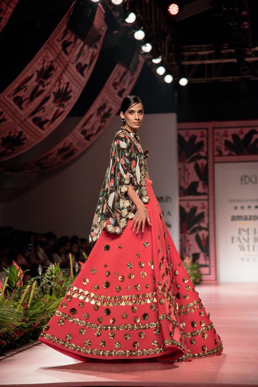 Shivan and Narresh FDCI Amazon India Fashion Week Spring Summer 2018 Look 23