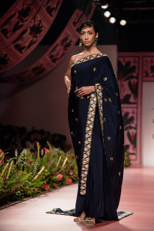 Shivan and Narresh FDCI Amazon India Fashion Week Spring Summer 2018 Look 6