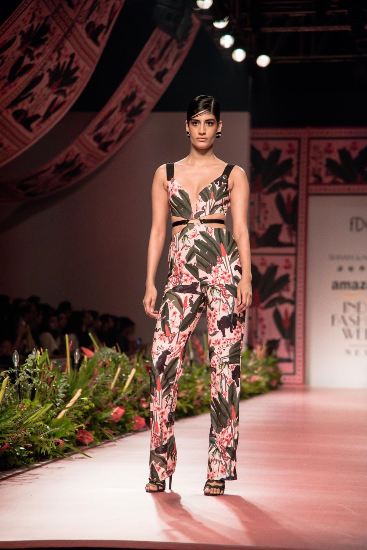 Shivan and Narresh FDCI Amazon India Fashion Week Spring Summer 2018 Look 7