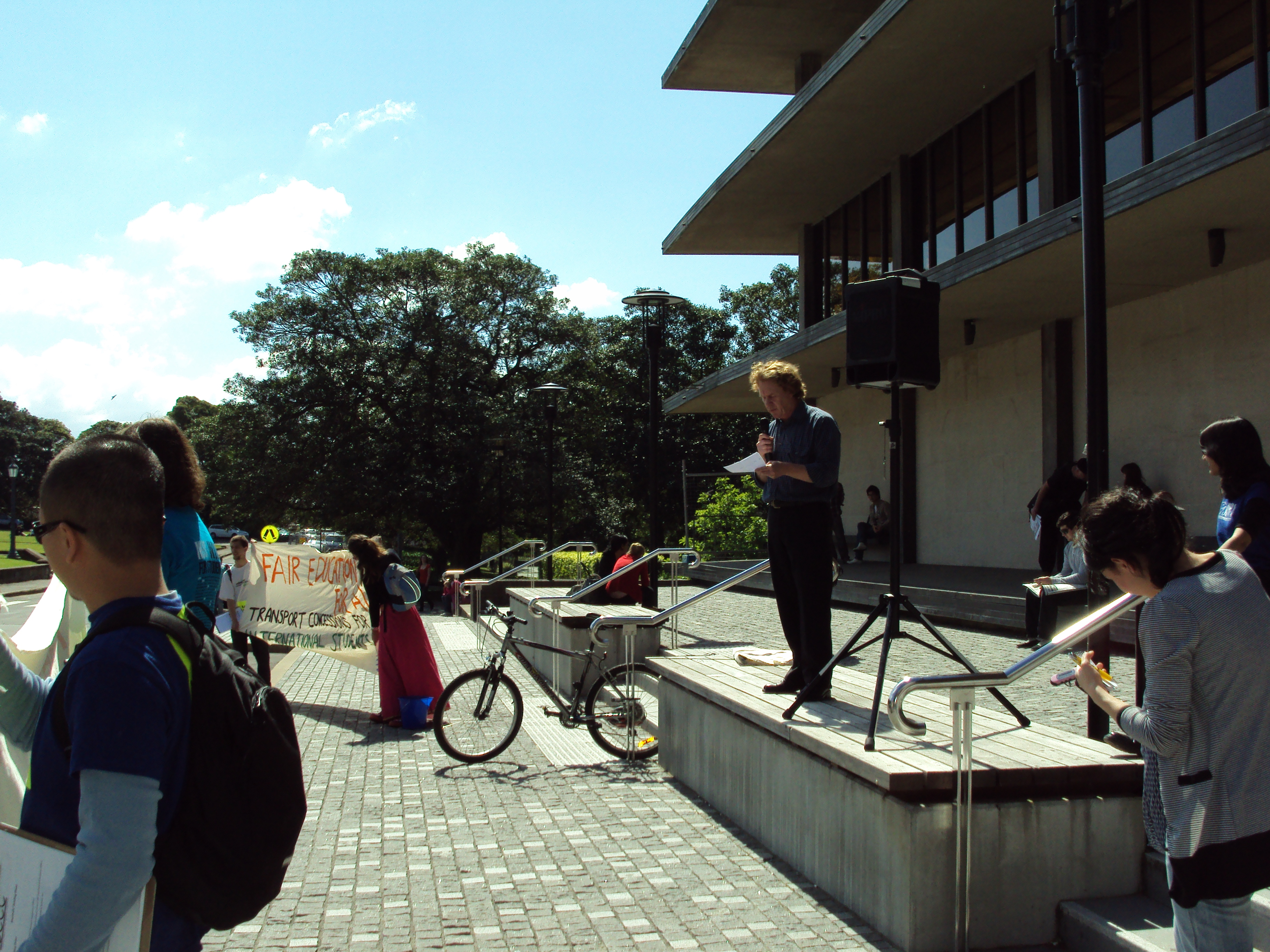 At Sydney U, outside Fisher Library