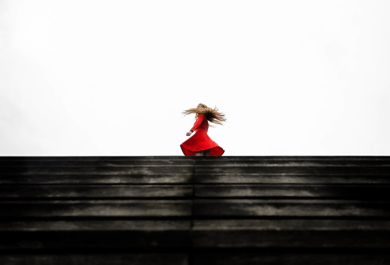 red-dress-1149534_1920
