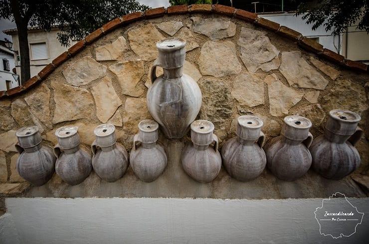 Monumento a La Cantarera en Mota del Cuervo