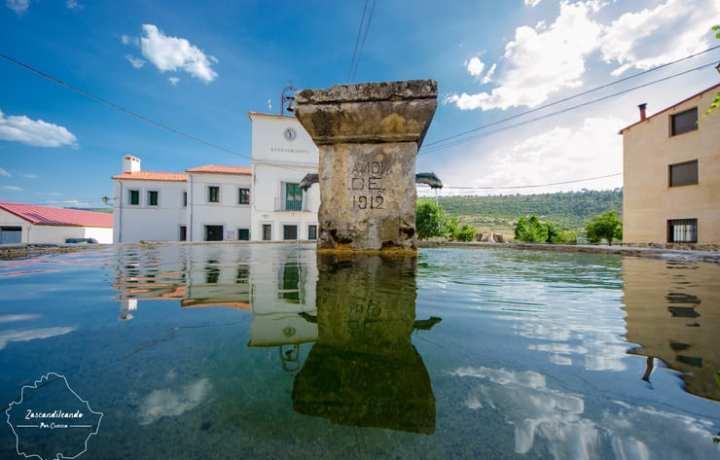 Plaza_ayuntamiento_Santa_Maria_Val_Cuenca