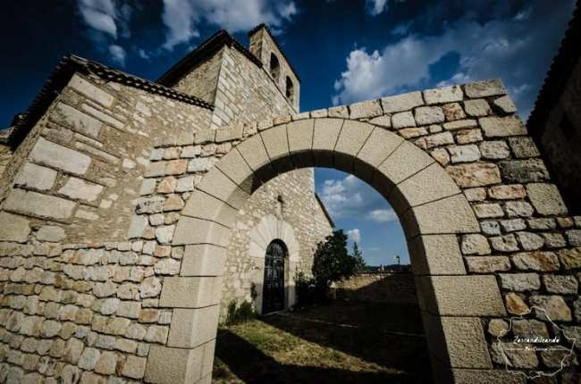 Iglesia parroquial en Poyatos