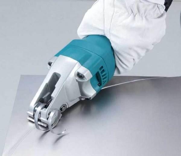 Электрические-ножницы-Виды-характеристики-как-выбрать-и-цена-электрических-ножниц-4