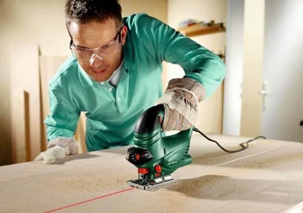 Как резать гипсокартон Чем пилить изделие в домашних условиях как правильно отрезать материал резка гипсокартона