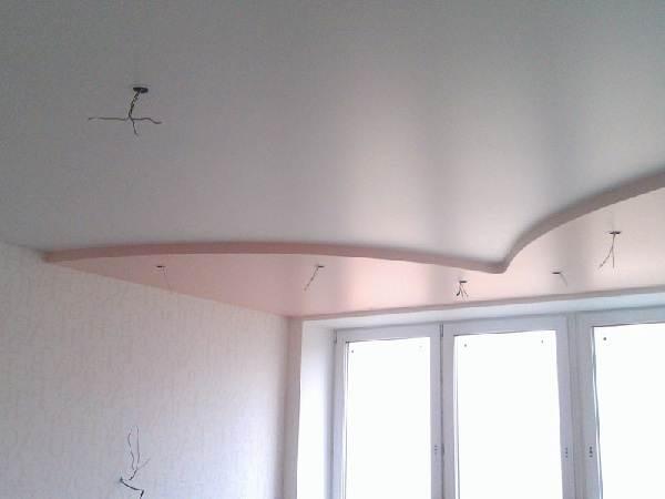 Сатиновый-натяжной-потолок-Описание-особенности-виды-и-цена-сатинового-потолка-2