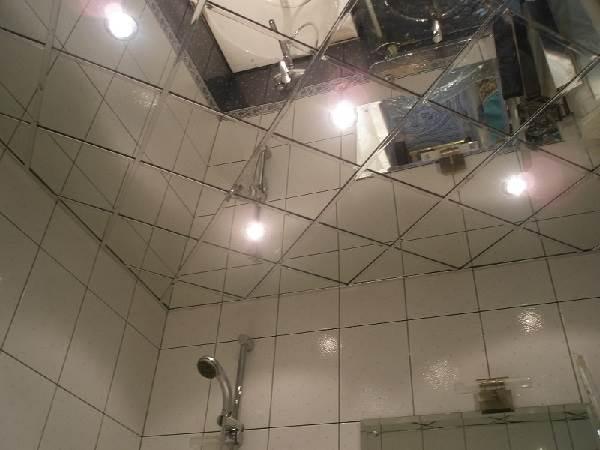 Зеркальный-потолок-его-преимущества-и-недостатки-2