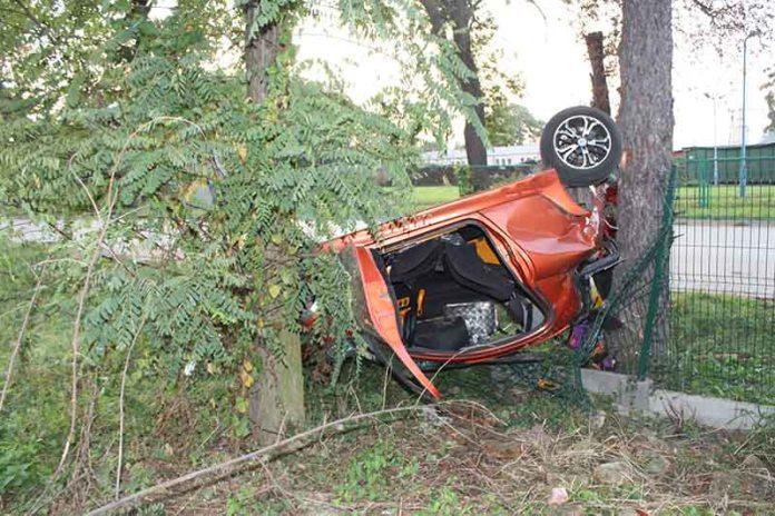 KPP Oświecim Zdjęcia z wypadku drogowego Palczowice 15.09 (2)