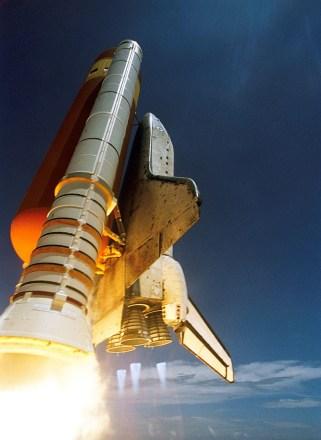 kosmos-statek-kosmiczny