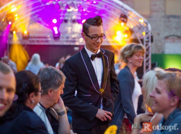 Magier Zauberer Tim Stüdemann Leipzig Chemnitz Dresden für Ihre Firmenfeier , Hochzeit , Familienfeier mieten buchen