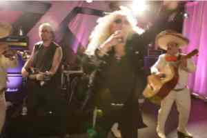 """Twisted Sister does mariachi mash-up of """"We're Not Gonna Take It"""" for Cinco de Mayo"""