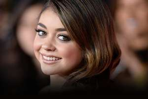 'Modern Family's Sarah Hyland Leaves Party After Fan Gets Too Grabby 2