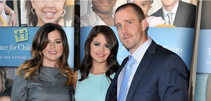 Selena Gomez Fires Manager Parents
