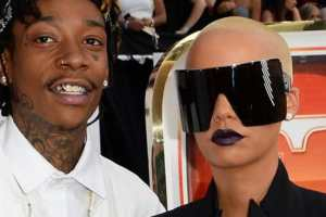 Amber Rose Wears Huge Sunglasses to Billboard Music Awards