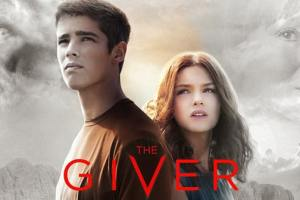 The Giver Star Brenton Thwaites Surprises Hispanic Family With Life-Changing Gift 9