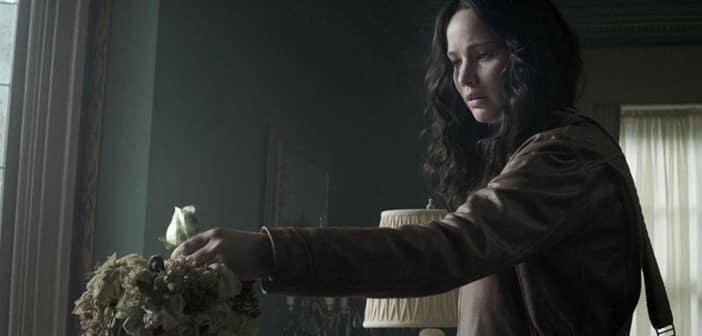 The-Hunger-Games-Mockingjay-Part-1-Katniss-Everdeen-2