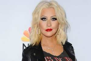 Christina Aguilera Relaeses Beautiful 'Anywhere But Here' Lyric Video