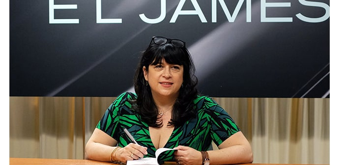 'Fifty Shades' Writer E.L. James Blasted By Critics During Twitter Q&A