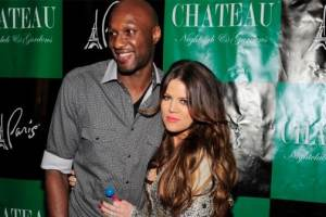 Khloe Kardashian And Lamar Odom Finally Sign Divorce Papers