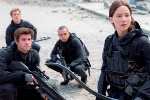 THE HUNGER GAMES: MOCKINGJAY PART 2 - Two NEW Clips Just Released