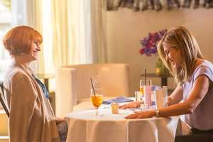 """""""MOTHER'S DAY"""" in theaters April 29, 2016  -  starring Jennifer Aniston, Kate Hudson, Julia Roberts and Jason Sudekis 1"""