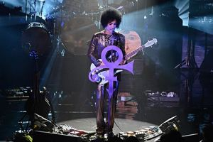Singer Prince Takes A Break During Melbourne Concert To Dedicate Olf Flame & Former Collaborator 'Vanity' Follwing Her Death This Week
