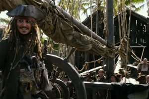 PIRATES OF THE CARIBBEAN: DEAD MEN TELL NO TALES - New Trailer and Poster 1