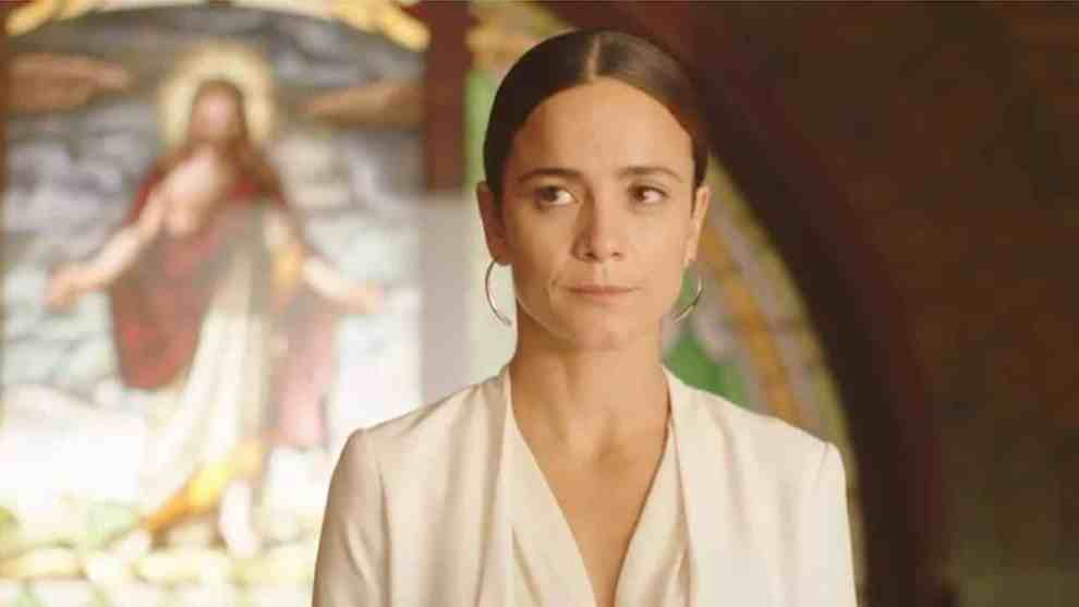 Starring Alice Braga and Veronica Falcon, the season will feature Rafael Amaya returning to the screen again to reprise his crossover role, in addition to the return of El Guero, played by Jon Ecker