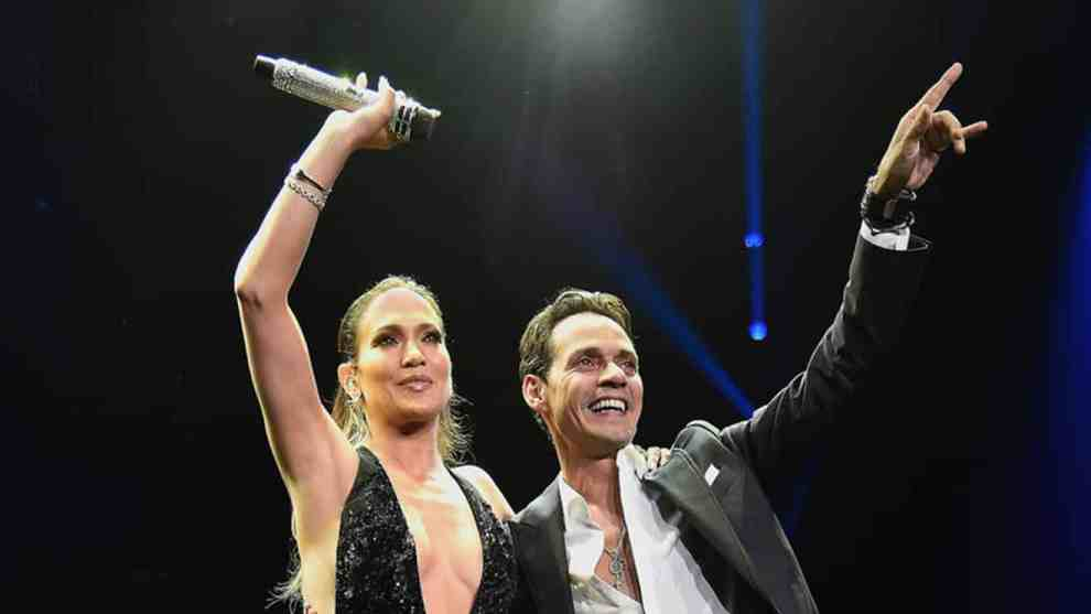 Jennifer Lopez & Marc Anthony Sing Together