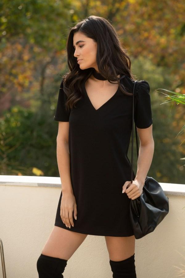 Φόρεμα μίνι με κοντό μανίκι