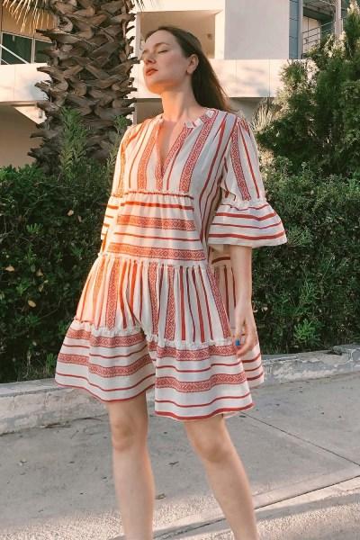 Φόρεμα boho με βολάν ριγέ