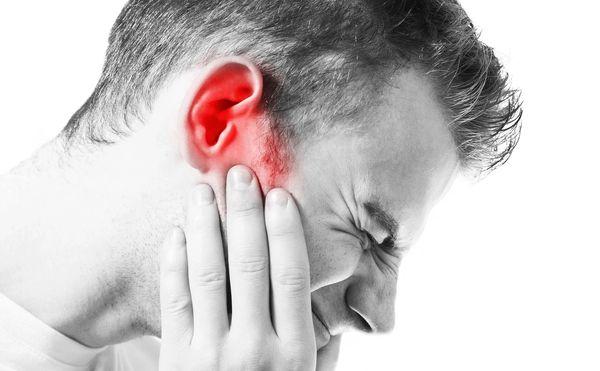 Звон в ушах - 6 самых распространенных причин
