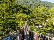 Most do wiszącego lodowca