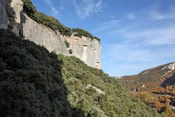 « Up Date » à Buoux, imaginé le club « Aptitudes » mobilise des grimpeurs dans le but de remettre en état certaines voies d'escalade à Buoux