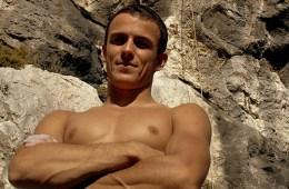 Nous venons d'apprendre le décès de Rémy Bergasse. Grimpeur de l'extrême (9a à son actif) et membre de l'équipe de France réserve...